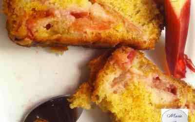 Cake à la rhubarbe … Rose et onctueux, ça fait de l'effet à Marie Pop !