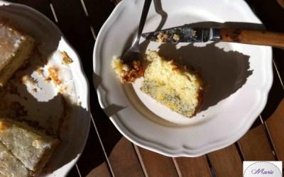 Bundt Cake au Citron et graines de pavot – Jetez vous dans le trou !