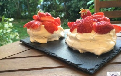 Mini Pavlova aux fraises… Un dessert pour les amoureux !