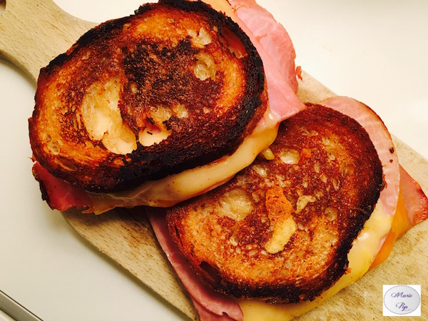 Grilled Cheese Jambon Cheddar – Le croque part en voyage