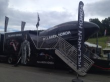 McLaren-Simulator im Fan-Village