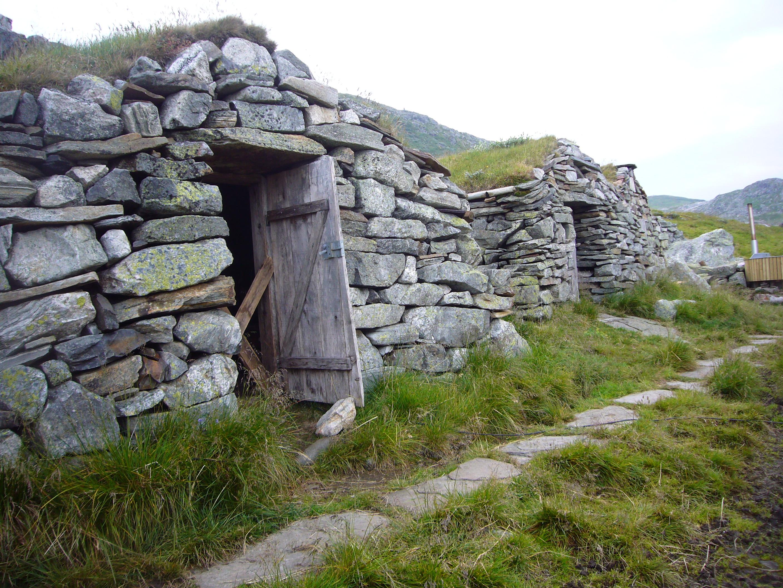Steinhyttene på Stavali