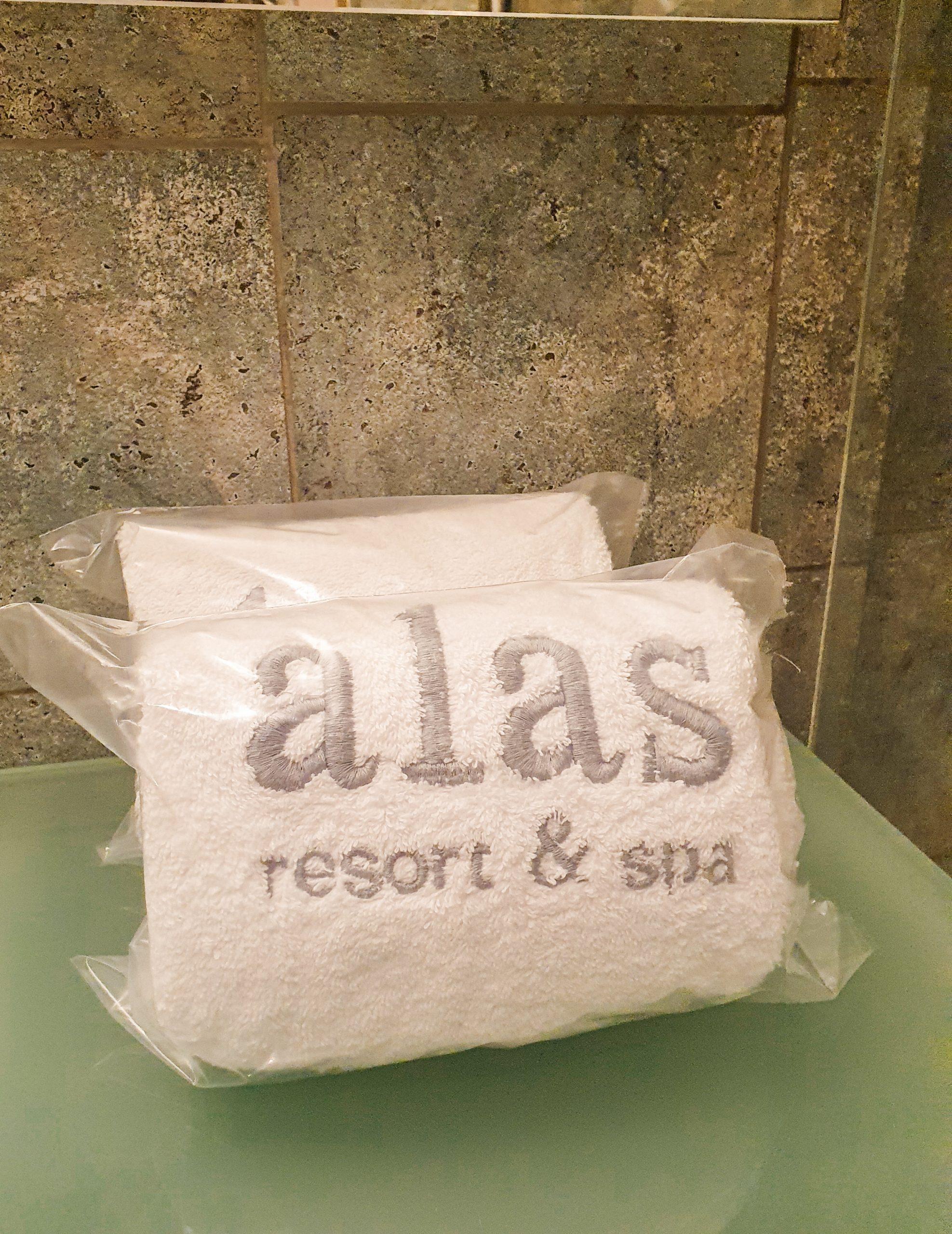 Alas Resort & Spa towels