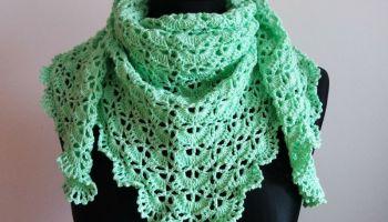 Free crochet red triangle shawl pattern | marifu6a