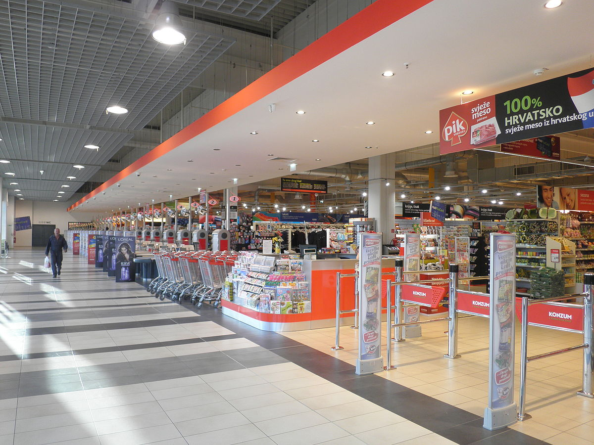 (c) Wikipedia, https://en.wikipedia.org/wiki/Konzum#/media/File:Konzum_Super.JPG, Macic7, CC BY-SA 3.0