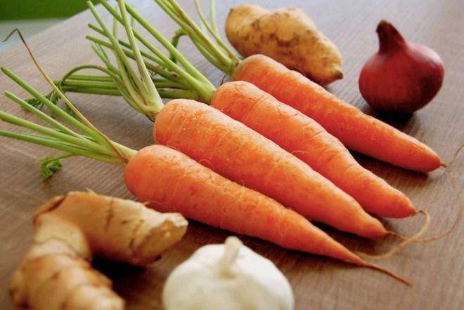 Spiced Carrot & Sweet Potato Soup