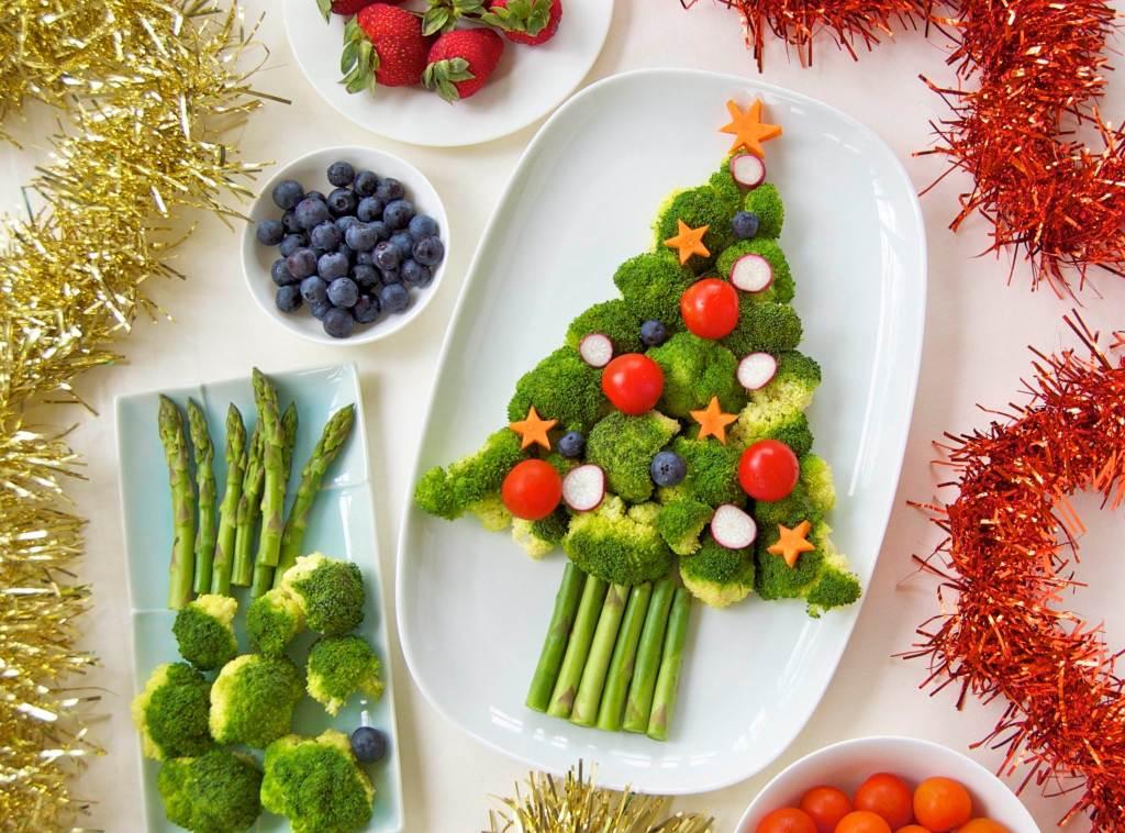 how to make a fruit salad christmas tree