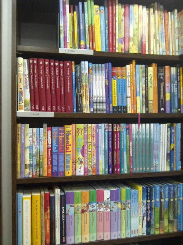 Boeken voor 4-6-jarigen op de bovenste plank