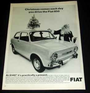 Auto onder kerstboom Fiat