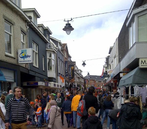 Vrijmarkt Hilversum, en hier is het een stuk drukker