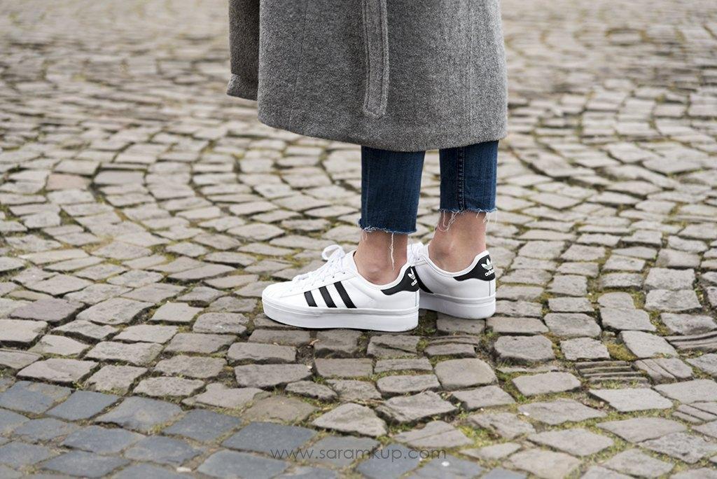 marikowskaya street style sara adidas superstar (2)