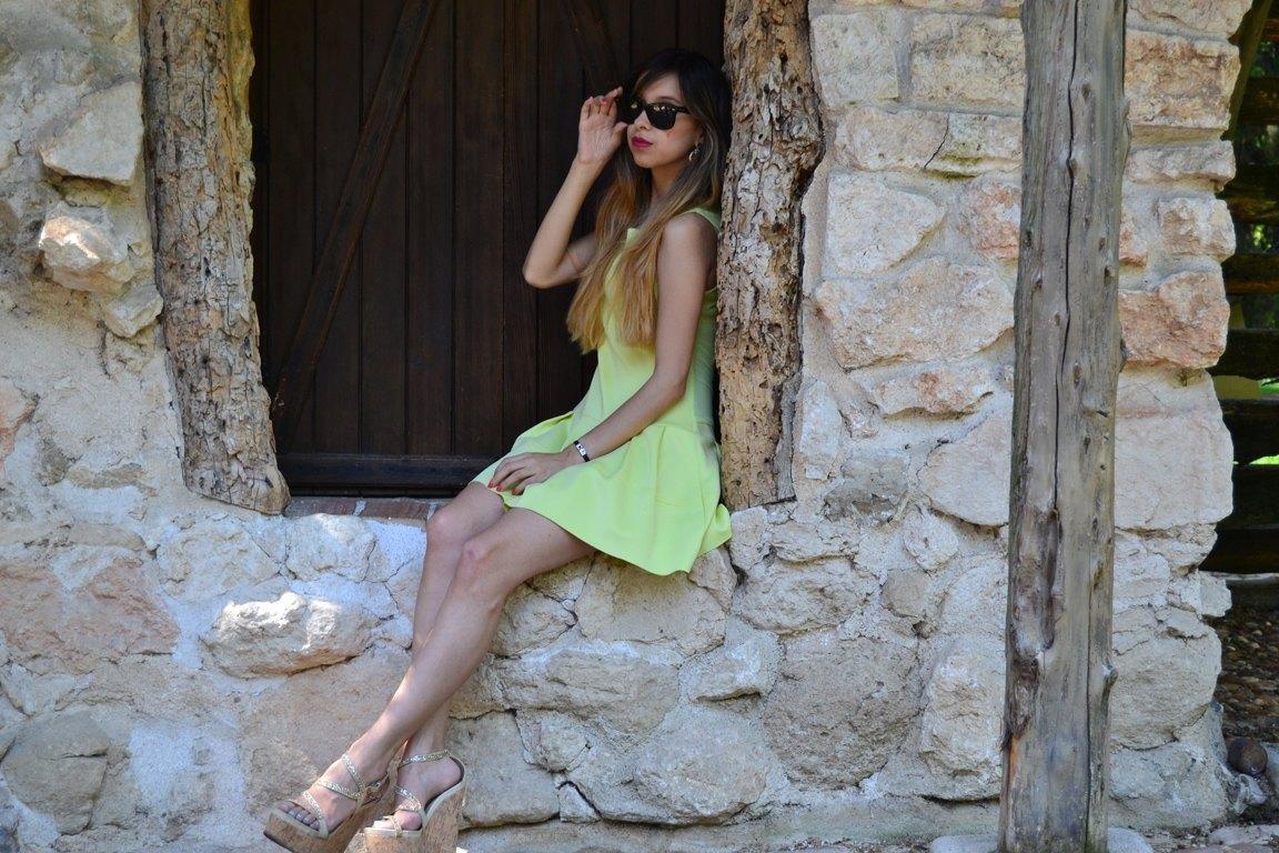 marikowskaya street style daniela vestido amarillo (4)