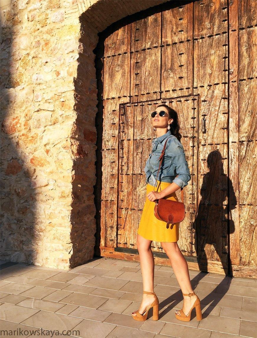 marikowskaya-street-style-falda-amarilla-3