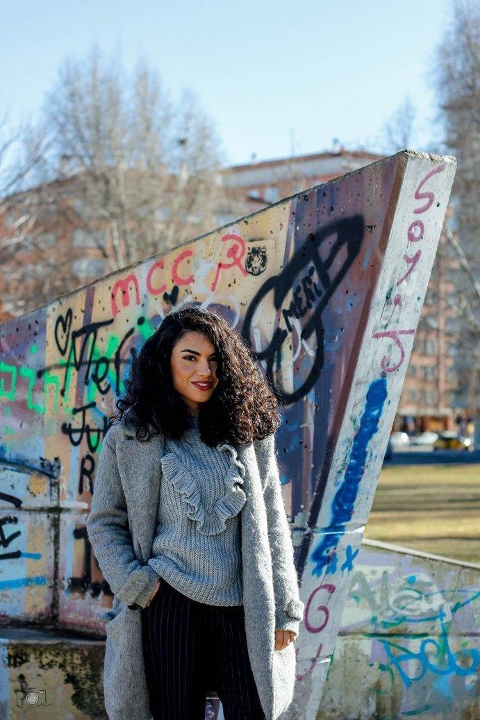 marikowskaya street style lu abrigo gris (5)
