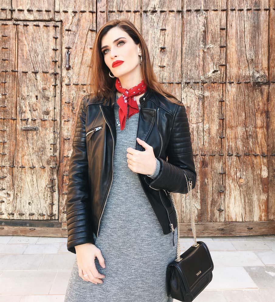marikowskaya street style vestido largo gris (4)
