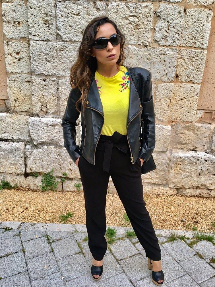 marikowskaya street style patry camiseta amarilla (1)