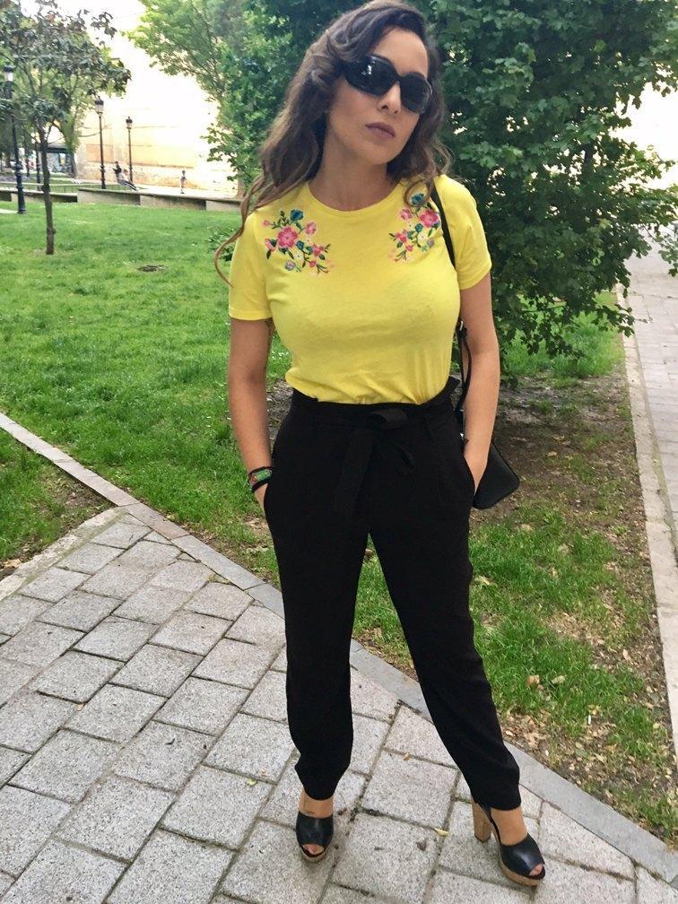 marikowskaya street style patry camiseta amarilla (4)