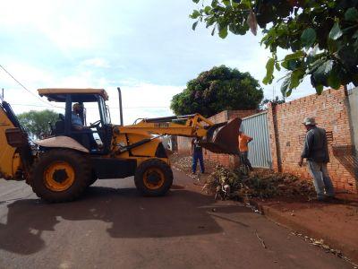 Marilândia do Sul intensifica trabalho para apoiar moradores na limpeza de quintais