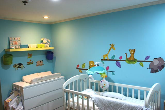 My son's nursery was themed candy candy color blue and lemon yellow.