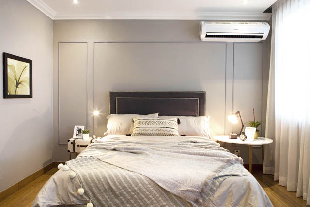 The master bedroom looked pretty cozy.  I had to work around that aircon! Not exactly where I would have put it.