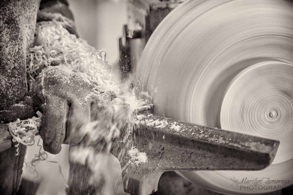 Makers' Hands — Turning Wood Bowls on the Lathe — Marilyn Lamoreux