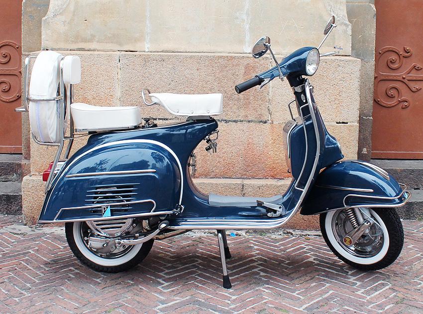 Vespa Vintage 1964 VBC Marina Blue 150 cc