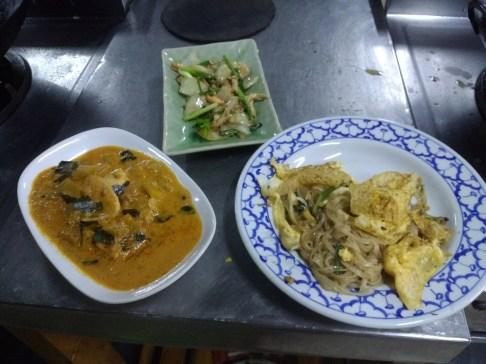 Penang curry & pad thai - yum!