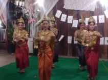 RY Welcome Party: traditional Khmer dancing
