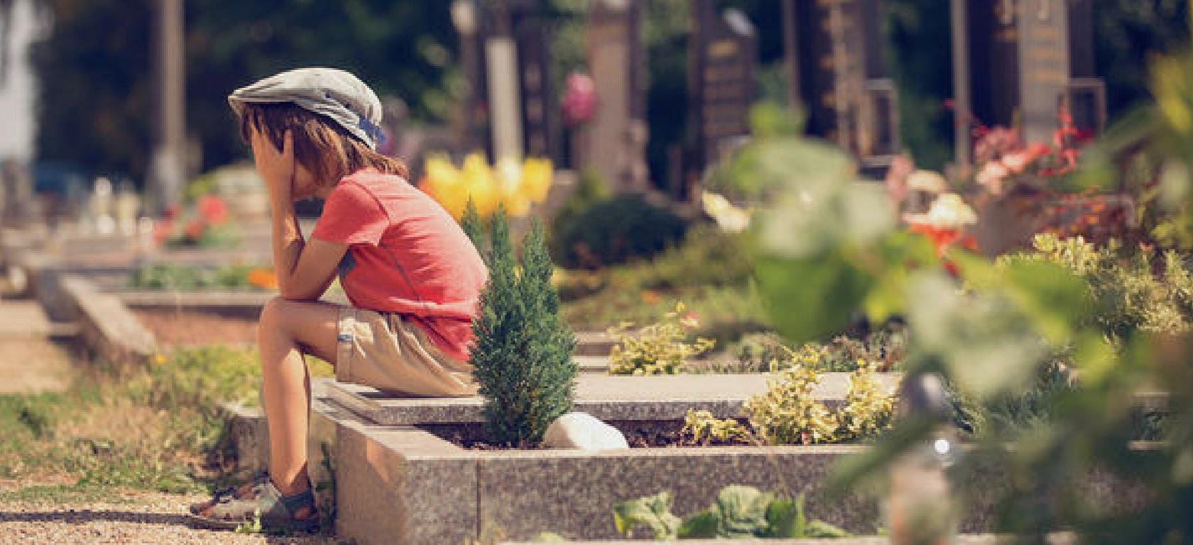 Πώς μιλάμε στα παιδιά για την απώλεια και το θάνατο, πένθος, απώλεια, καταστροφή