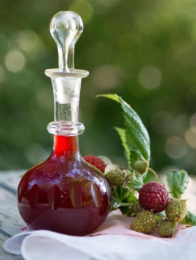 Opskrift på hjemmelavet hindbær eddike