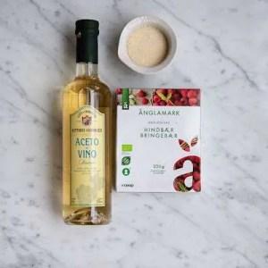 Ingredienser til hjemmelavet hindbæreddike