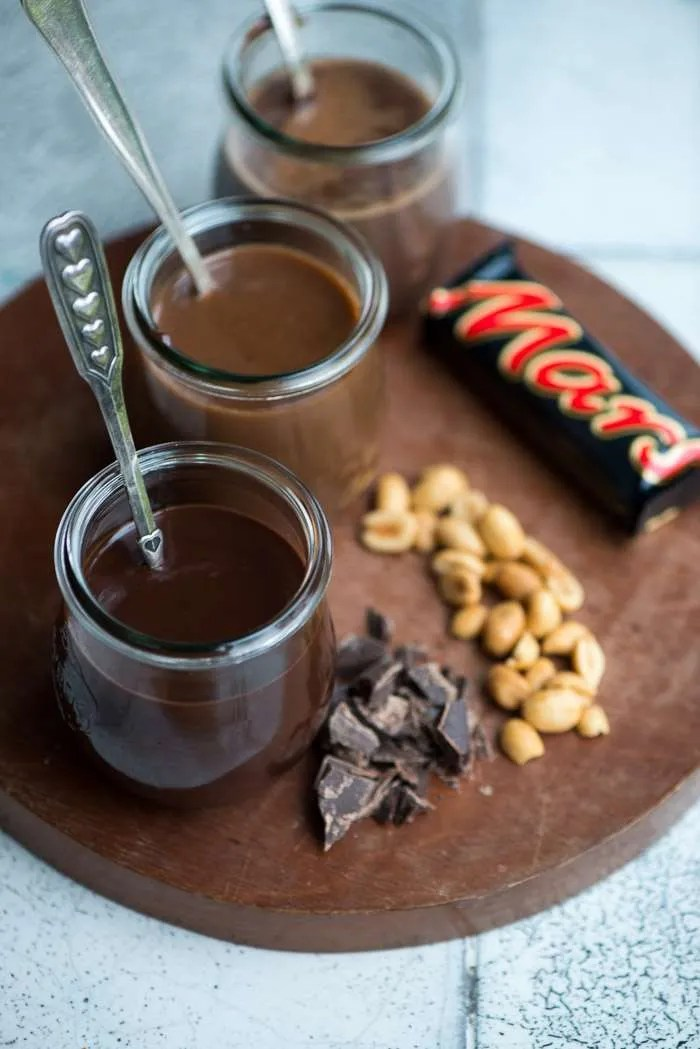 Opskrifter på hjemmelavet chokoladesovs