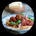 Lady og Vagabondens spaghetti med kødboller i tomatsovs. En opskrift fra Marinas Mad