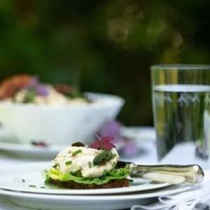 Marinas opskrift på hønsesalat med friske asparges