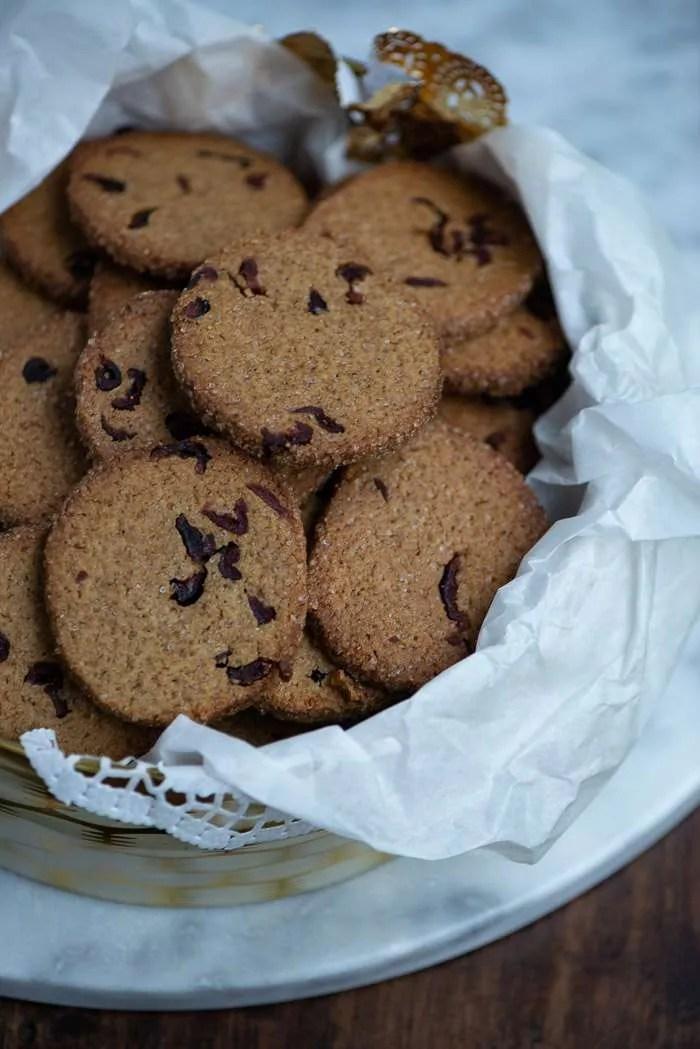 Opskrift på småkager med lakrids og tranebær