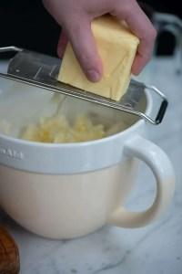 Sådan bages scones med smør