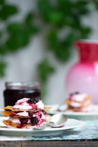 Smuk og nem sensommerdessert med brombær