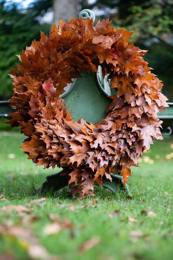 Krans af efterårsblade DIY