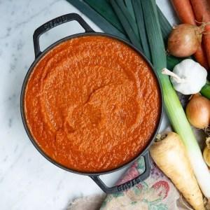 Opskrift på tomatsovs med grøntsager