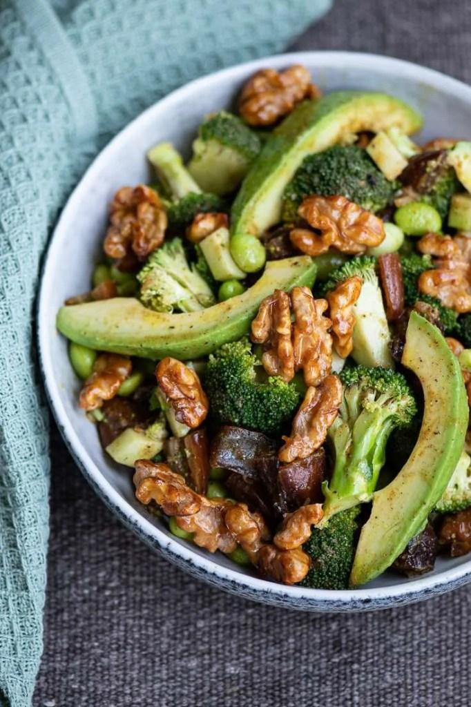 Broccolisalat med avocado