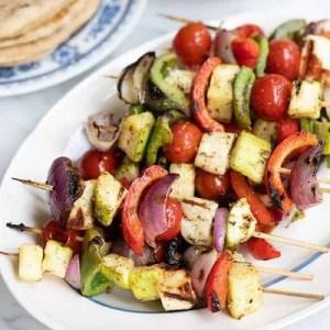 Grillede græske grøntsagsspyd