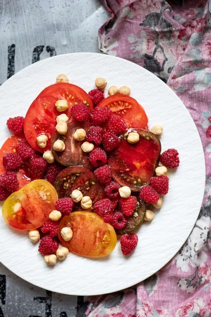Opskrift på tomatsalat med hindbær