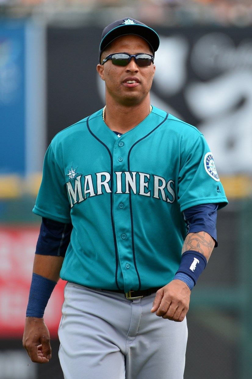 SCOTTSDALE, AZ - MARCH 11: Leonys Martin #12 of the Seattle Mariners warms up prior to the spring training game against the San Francisco Giants at Scottsdale Stadium on March 11, 2016 in Scottsdale, Arizona. (Photo by Jennifer Stewart/Getty Images)