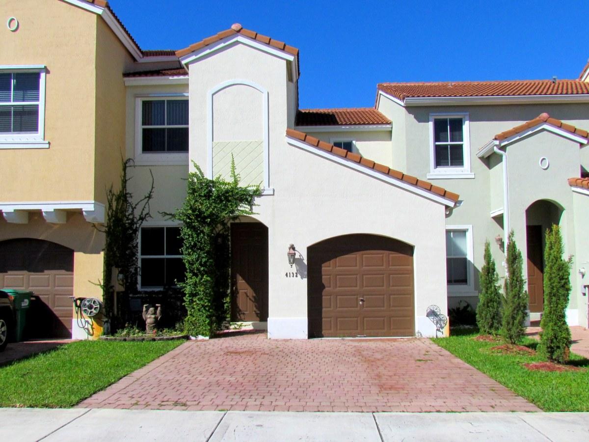 4132 SW 149 PL Miami FL $240,000