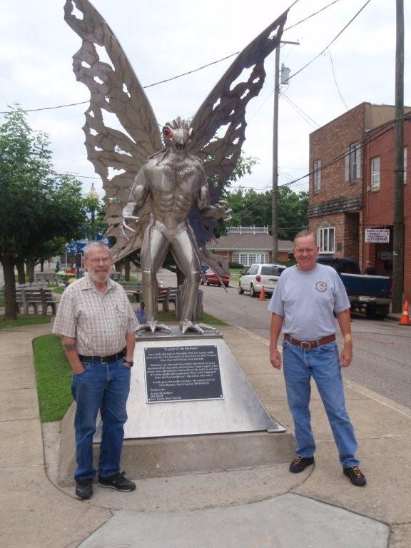 July 2009, David Spaulding and his nephew, David ..... in front of the Mothman Statue in West Virginia.