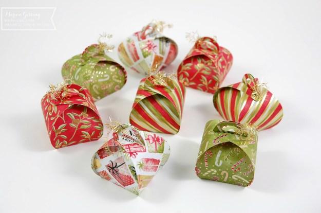 Kleine Geschenkverpackung aus Papier zu Weihnachten