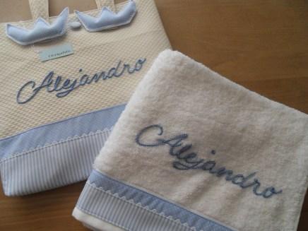 conjunto de bolso y toalla
