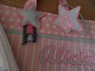conjunto de bolso, toalla y diadema personalizada