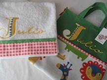 conjunto bolsa y toalla personalizada con nombre