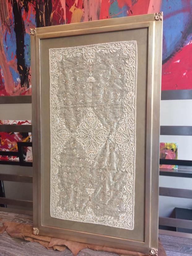Una pieza de seda enmarcada #arte #cuadros #Zaragoza #enmarcaciones #decoracion #MarisaCervantes #marcos